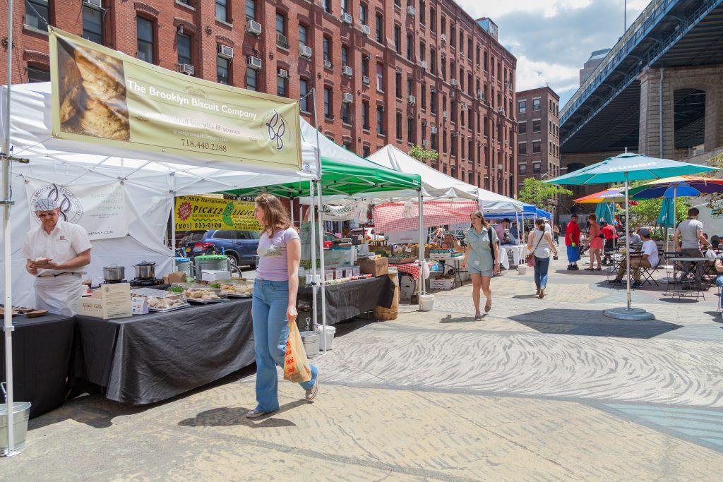 Farmers Market in Pearl Street Triangle | photo by Noemie Trusty